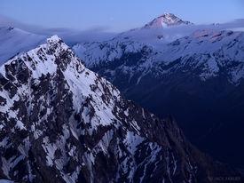 Mount Aspiring, moonset, dawn, New Zealand