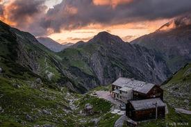 Lamsenjochhütte Sunset