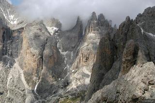 jagged peaks, Torri Vajolet, Catinaccio group, Canazei, Dolomites, Italy