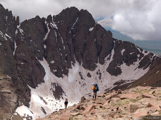 hikers, Humboldt Peak, Crestone Peak, Sangre de Cristos, Colorado