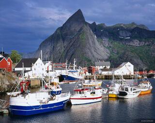 Hamnøya, Moskenesøya, Lofoten, Norway, boats