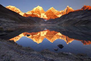 Cordillera Huayhuash, Peru, Yerupaja, Jirishanca, reflection, sunrise, Laguna Carhuacocha