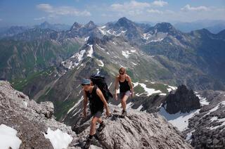 Climbing Madelegabel