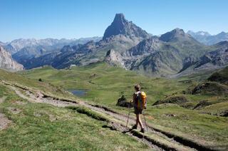 Pyrenees, Pic du Midi d'Ossau, hiking