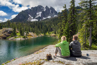 Alpine Lakes Wilderness, Spectacle Lake, Three Queens, Washington