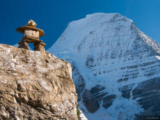 British Columbia, Canada, Mount Robson, Mount Robson Provincial Park, cairn, BC