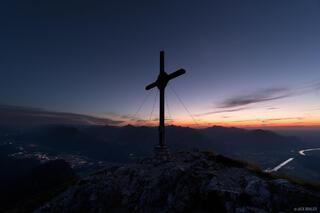 Austria, Kaisergebirge, Naunspitze, cross