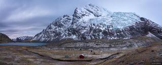 Ausangate, Cordillera Vilcanota, Lago Jatun Pucacocha, Peru, South America, tent