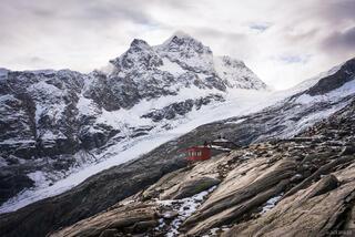 Bernina Range, Chamanna Coaz, Piz Aguagliouls, Rhaetian Alps, Switzerland, hut