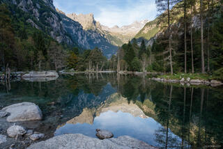 Italy, Rhaetian Alps, Val Masino, Valle di Mello, reflection, Alps