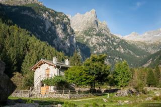 Italy, Rhaetian Alps, Val Masino, Valle di Mello, Alps