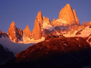 Monte Fitz Roy, sunrise, Argentina, Patagonia, Parque Nacional los Glaciares, rugged, alpenglow, fitz roy, chalten, chal
