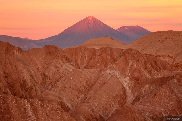Volcán Licancabur, Atacama, Chile, Valle de la Muerte, San Pedro de Atacama, october, sunset, orange, licancabur