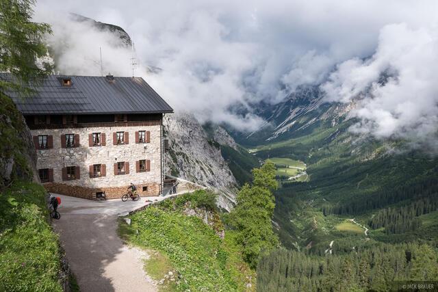 Austria, Karwendel, Karwendelhaus, Alps, hut