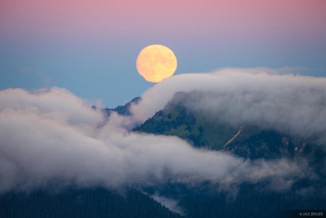 Glacier Peak Wilderness, Washington, moon, Cascades