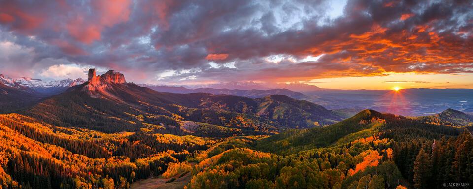 Cimarrons, Ridgway, Pleasant Valley, Sneffels Range, Chimney Rock, Courthouse Mountain, San Juan Mountains, Colorado, sunset, panorama