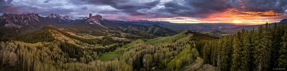 Cimarrons, aspens, Sneffels Range, panorama, Courthouse Mountain, Chimney Rock, Colorado