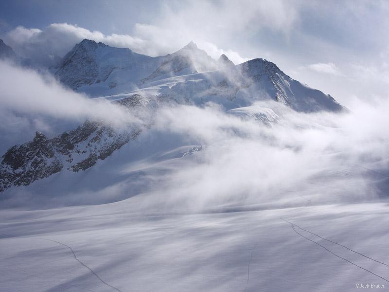 Wyssnollen, Bernese Oberland, Switzerland, clouds, glacier
