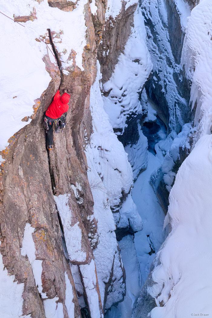 Ouray Ice Park, Colorado, Dan Chehayl, climbing
