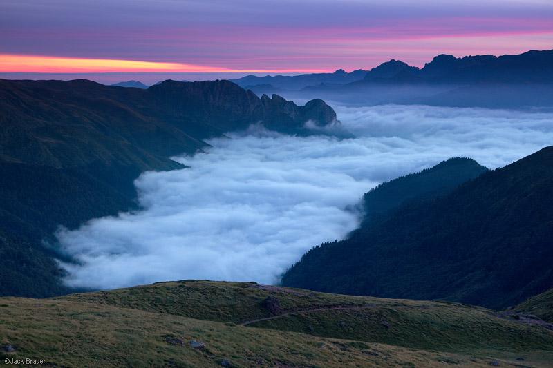 Pyrenees, France, sunrise, Refuge d'Arlet