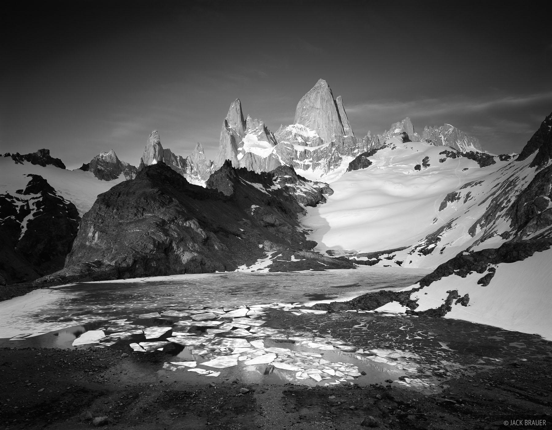 Chalten, Monte Fitz Roy, Laguna de los Tres, Argentina, Patagonia, photo