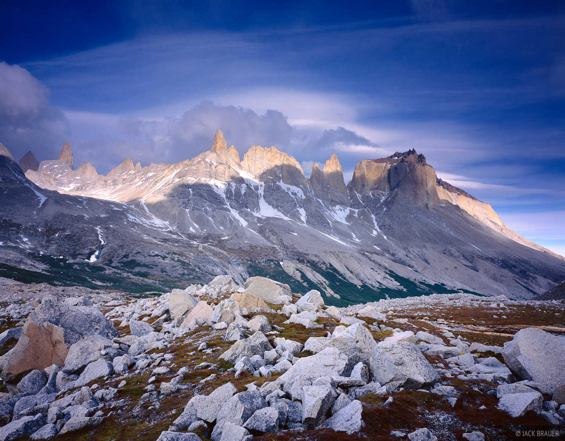 Valle Frances, Torres del Paine, Chile, photo