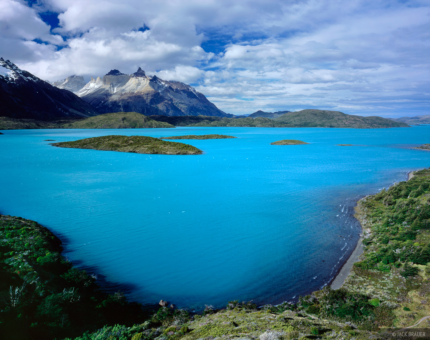 Lago Pehoe, Torres del Paine, Chile, photo