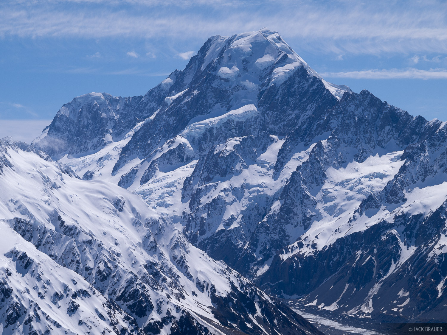 Aoraki / Mount Cookis the tallest in New Zealand, at a height of 3754m, or 12,316 ft.