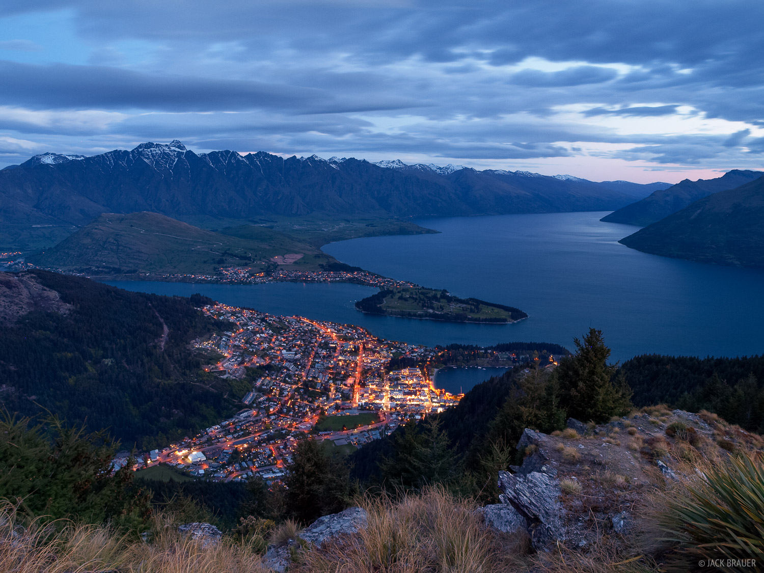 Queenstown, Lake Wakatipu, Remarkables, New Zealand, photo