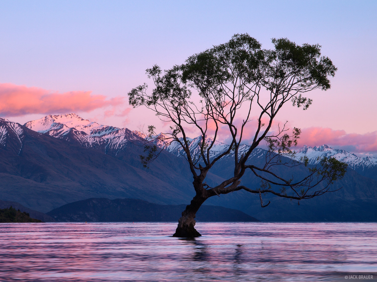 Lake Wanaka, New Zealand, photo