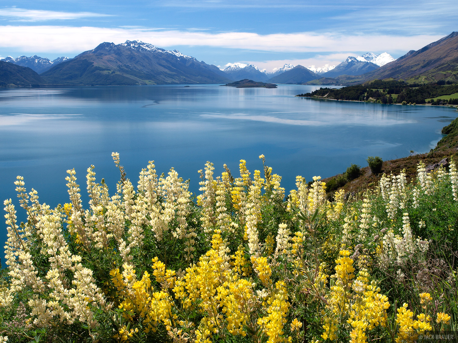 Lake Wakatipu, Queenstown, New Zealand, South Island, photo