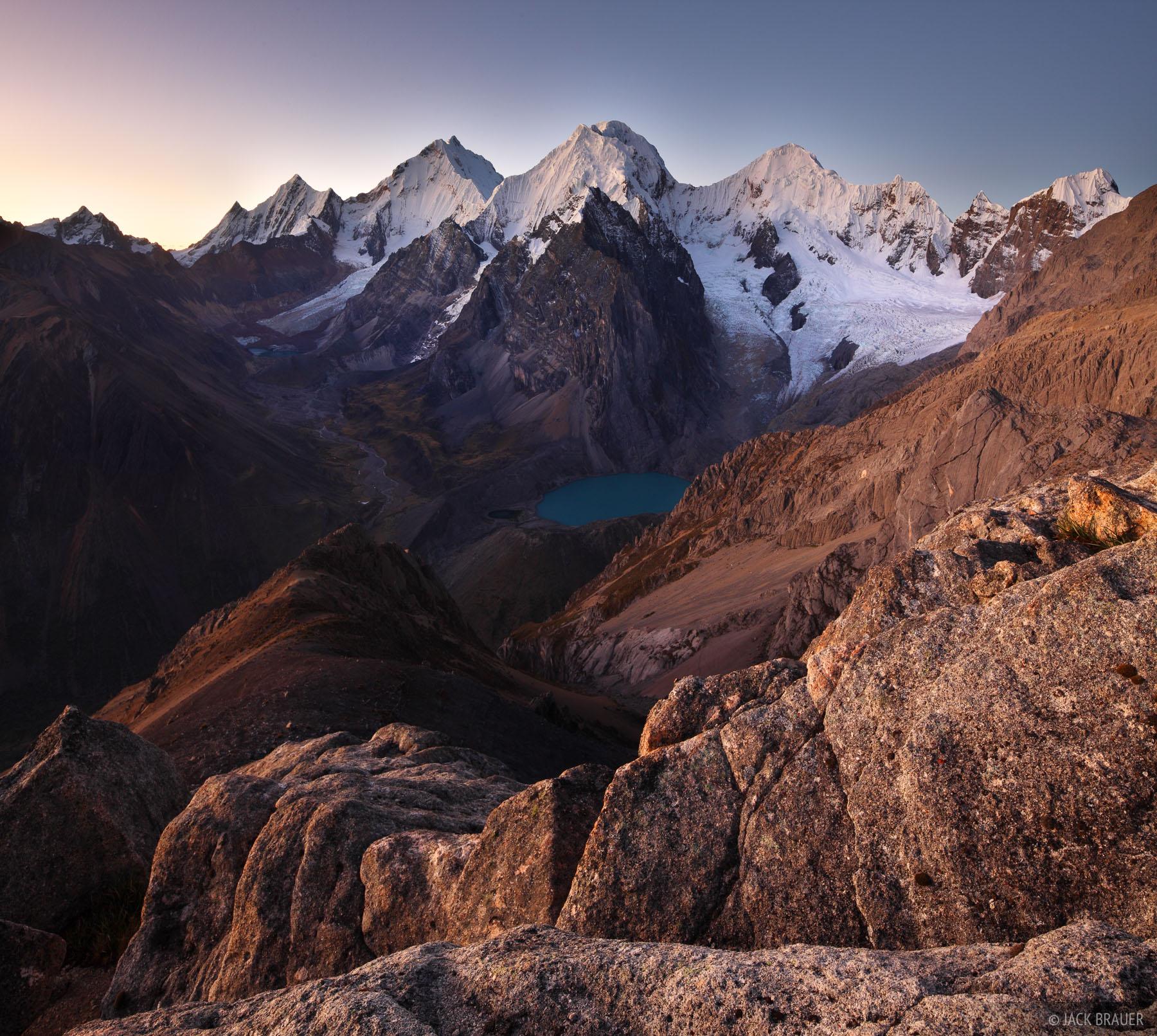 Suila, Cordillera Huayhuash, Peru, Cerro San Antonio, Rasac, Yerupaja, Sarapo, Carnicero, Laguna Jurau, photo