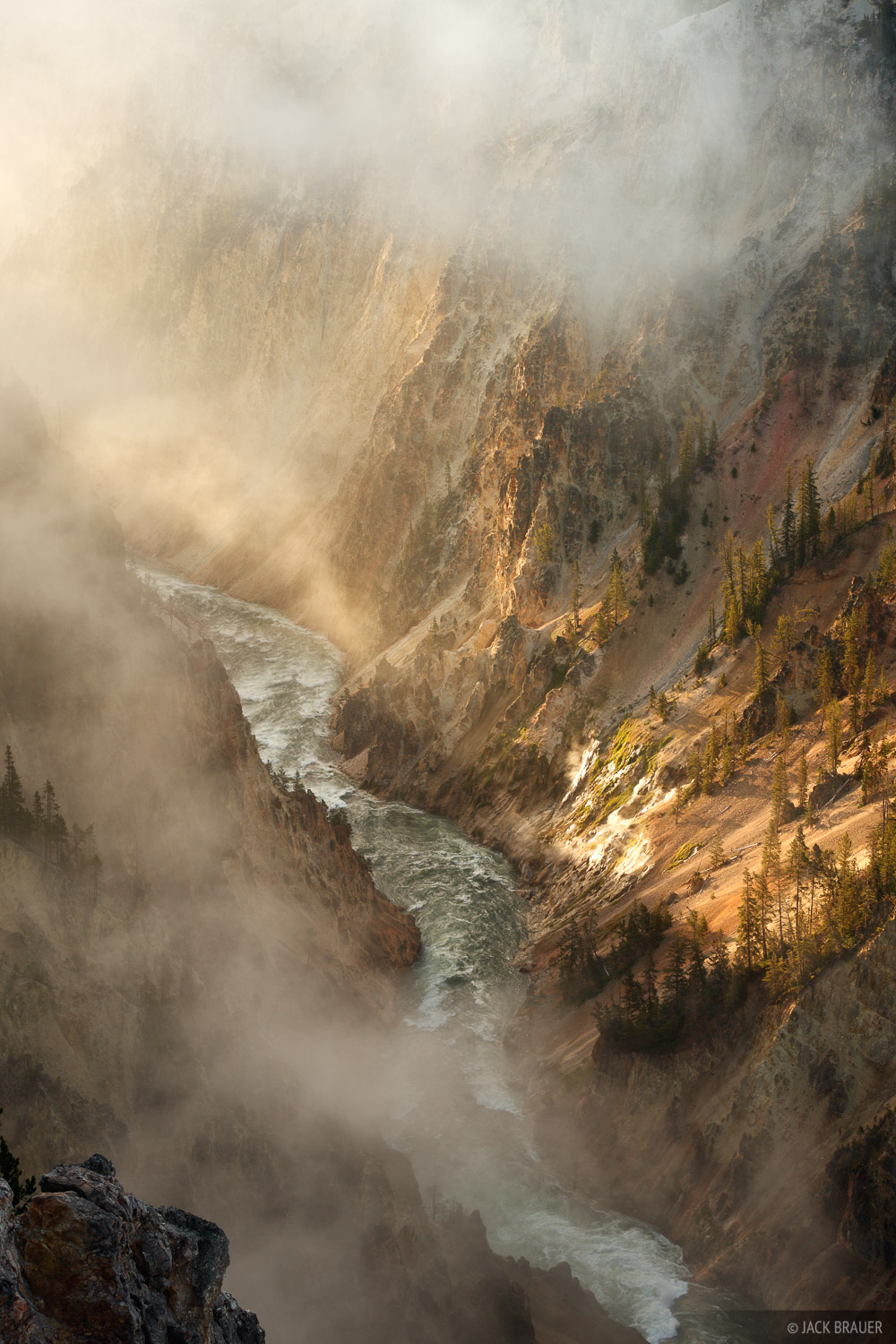 Grand Canyon of the Yellowstone, Yellowstone National Park, Wyoming, sunrise, Lookout Point, photo