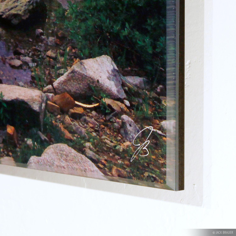 Acrylic mounted print corner detail
