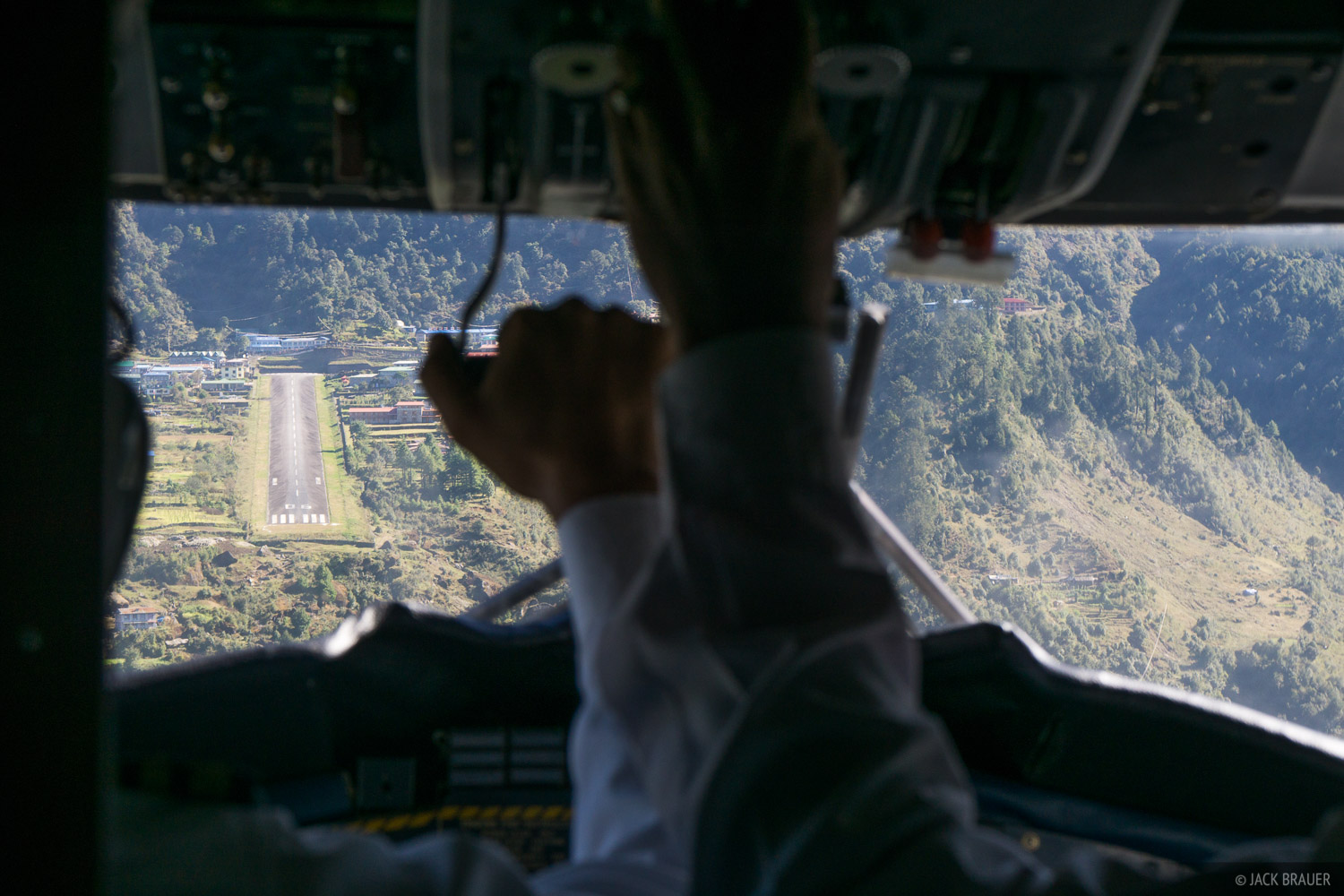 Approaching Lukla.  Prepare for [hopefully] landing!