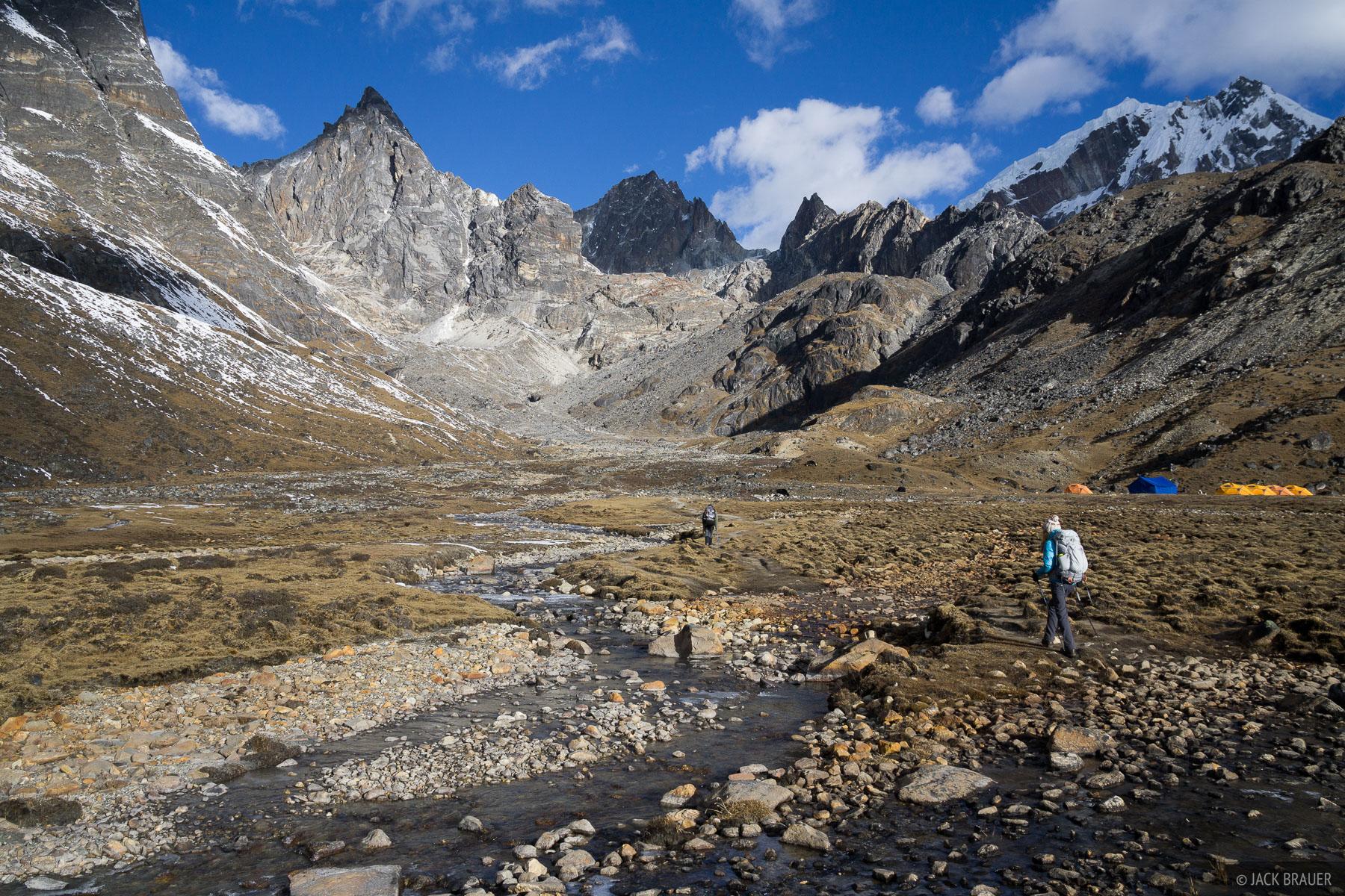 Hiking from Dzongla towards Cho La.