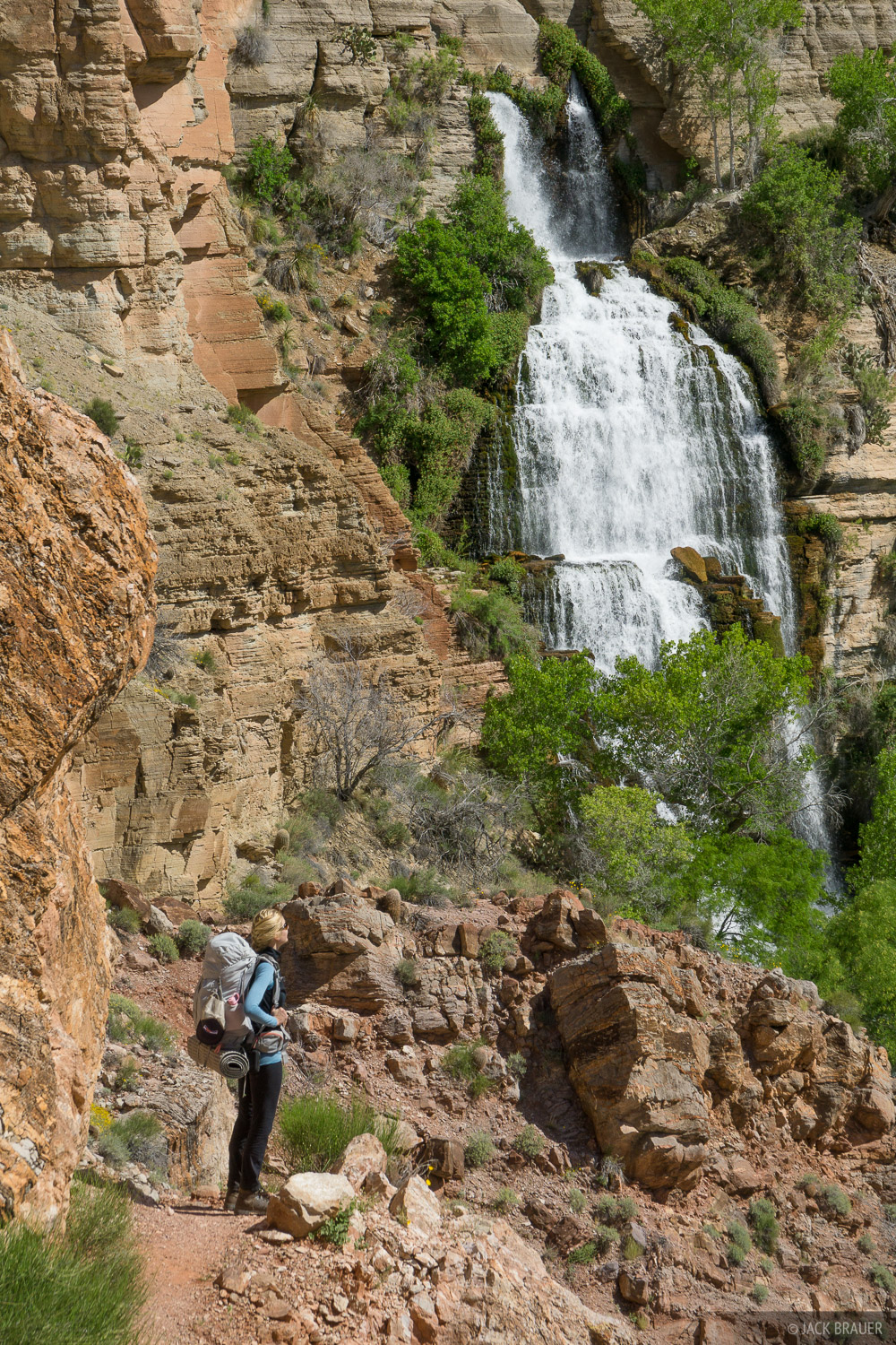 Hiking past the Thunder Spring waterfall.