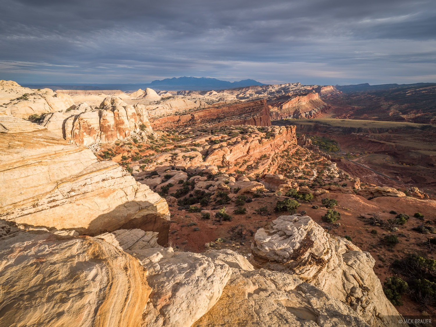Capitol Reef,Utah, Waterpocket Fold, Navajo Knobs, photo