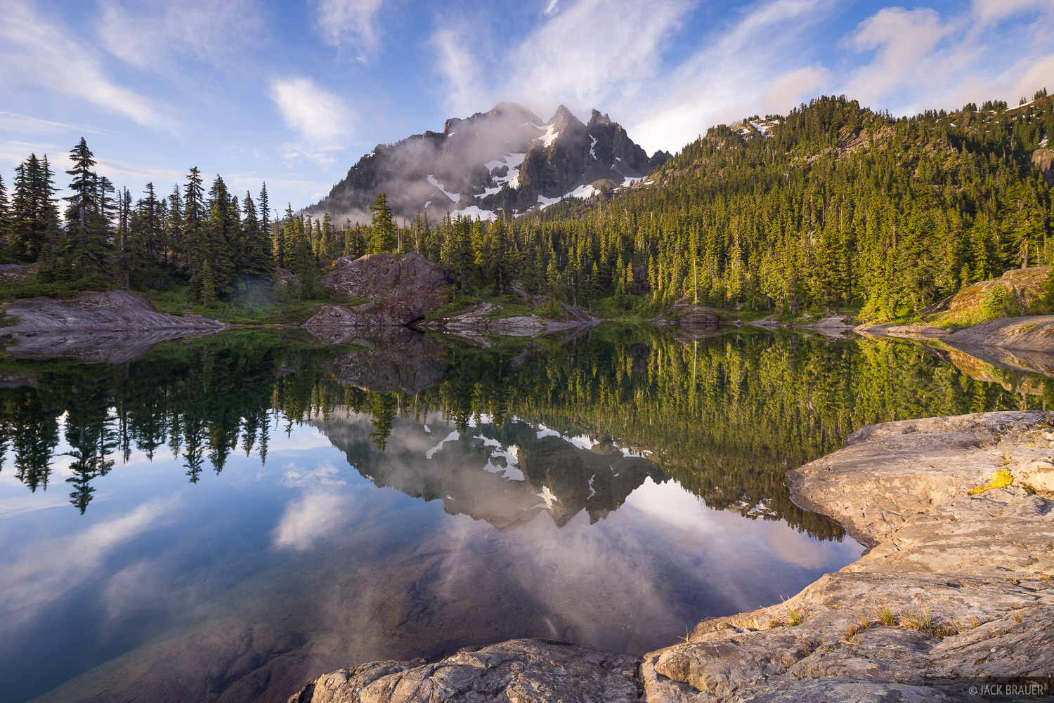 Alpine Lakes Wilderness, Spectacle Lake, Three Queens, Washington, Cascades
