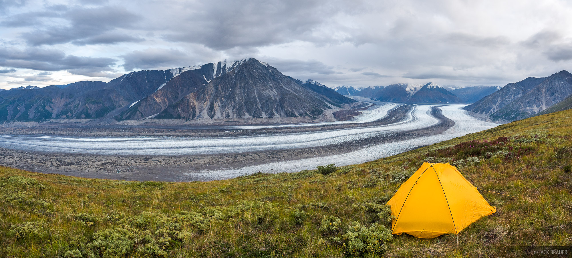 Canada, Kaskawulsh Glacier, Kluane National Park, Slims River, Yukon, tent, photo