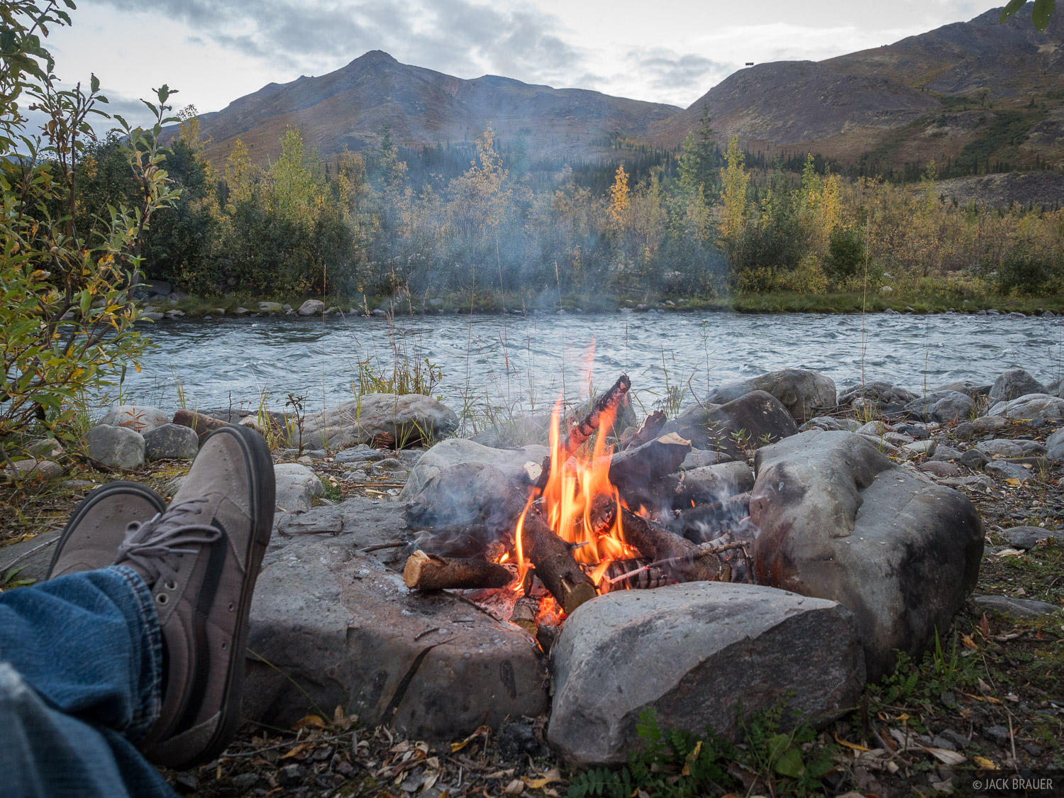 Canada, Klondike River, Tombstone Territorial Park, Yukon, campfire, photo