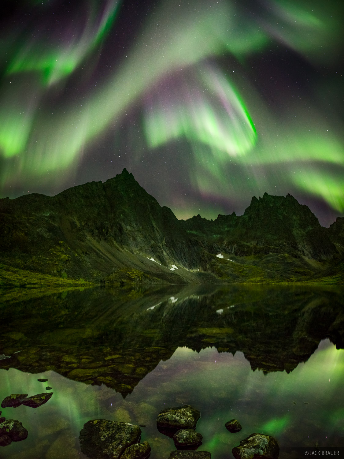 Canada, Grizzly Lake, Tombstone Territorial Park, Yukon, aurora, reflection, northern lights, Tombstone Range, photo