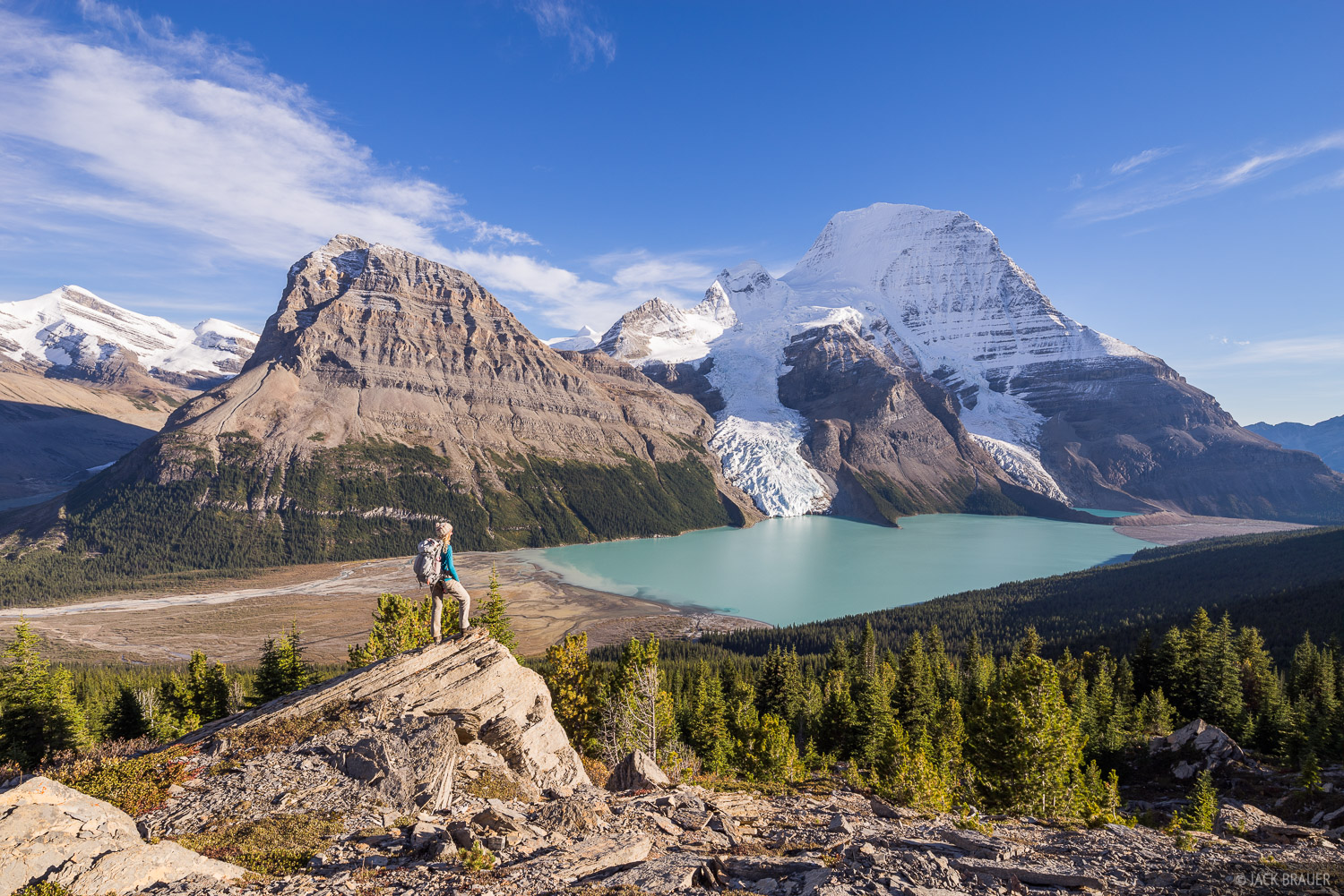 Mount Robson (3954 m / 12972 ft.) rises an astounding 7,500 vertical feet above Berg Lake! The sheer scale is difficult to comprehend...