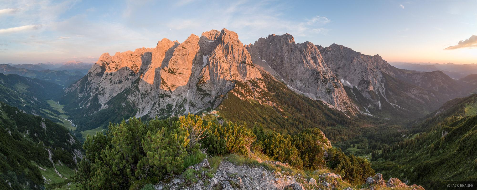 Austria, Kaisergebirge, Stripsenjochhaus, Stripsenkopf, Wilder Kaiser, sunset, panorama, photo