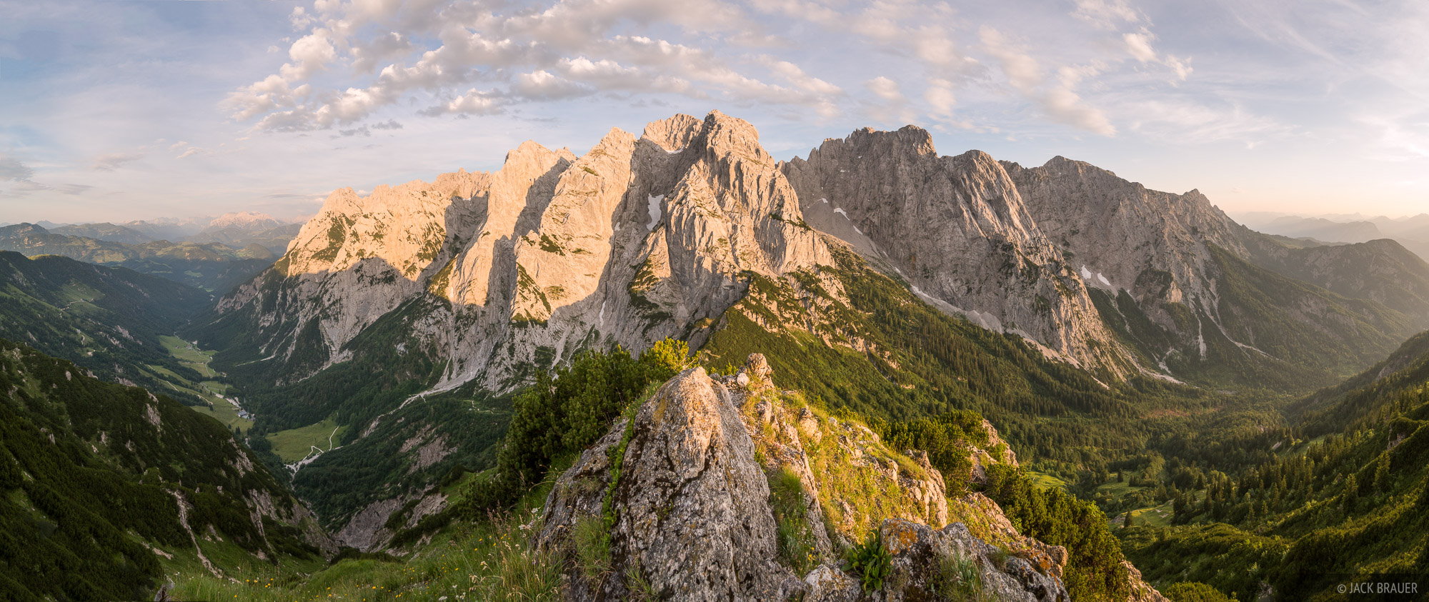 Austria, Kaisergebirge, Stripsenjochhaus, Stripsenkopf, Wilder Kaiser, sunset, panorama, photo