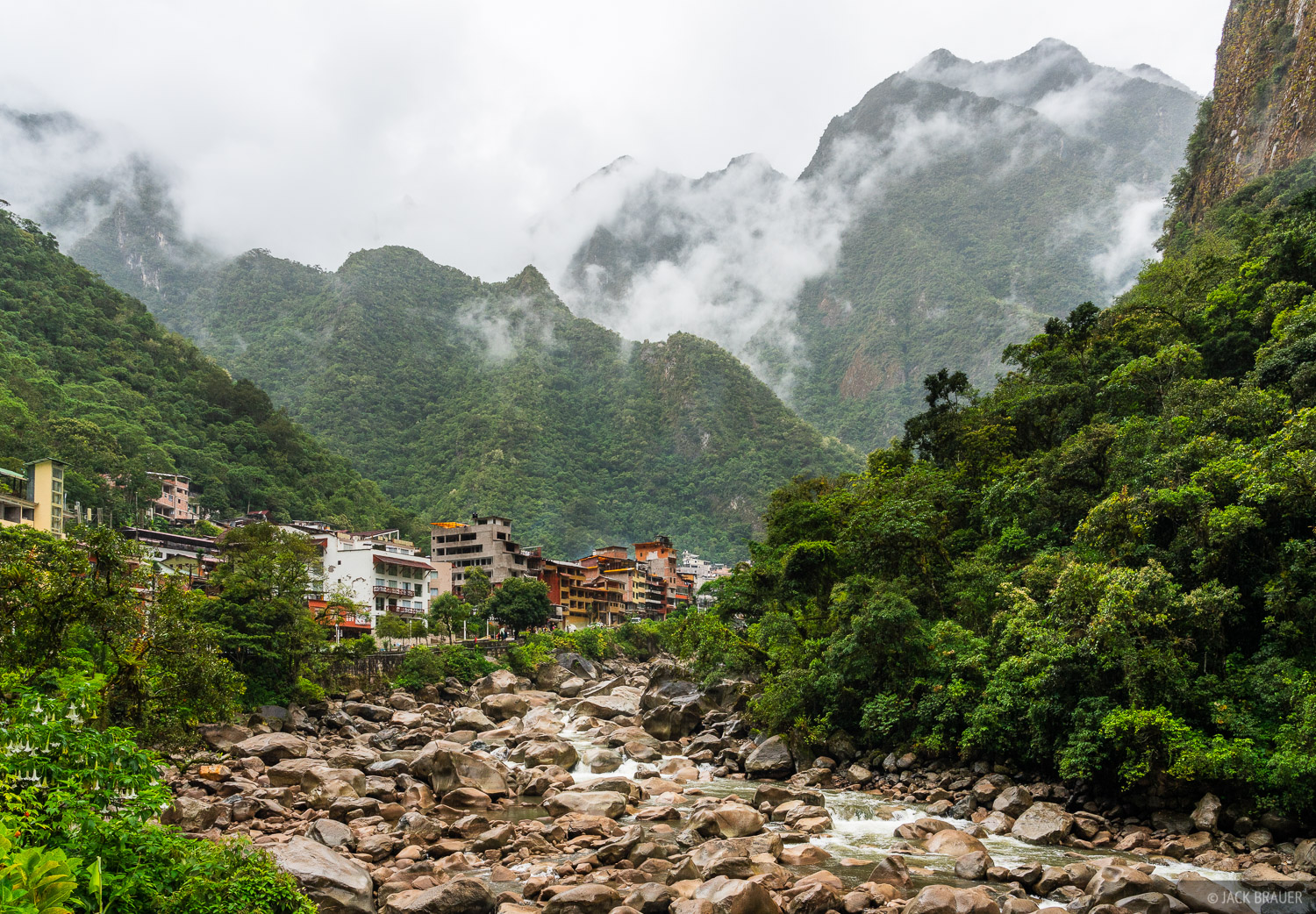 Aguas Calientes, Cordillera Vilcabamba, Peru, Rio Urubamba, South America, photo