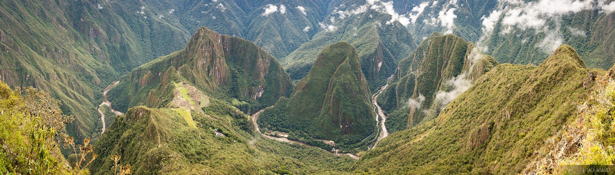 Cordillera Vilcabamba, Macchu Picchu, Peru, Rio Urubamba, South America, photo