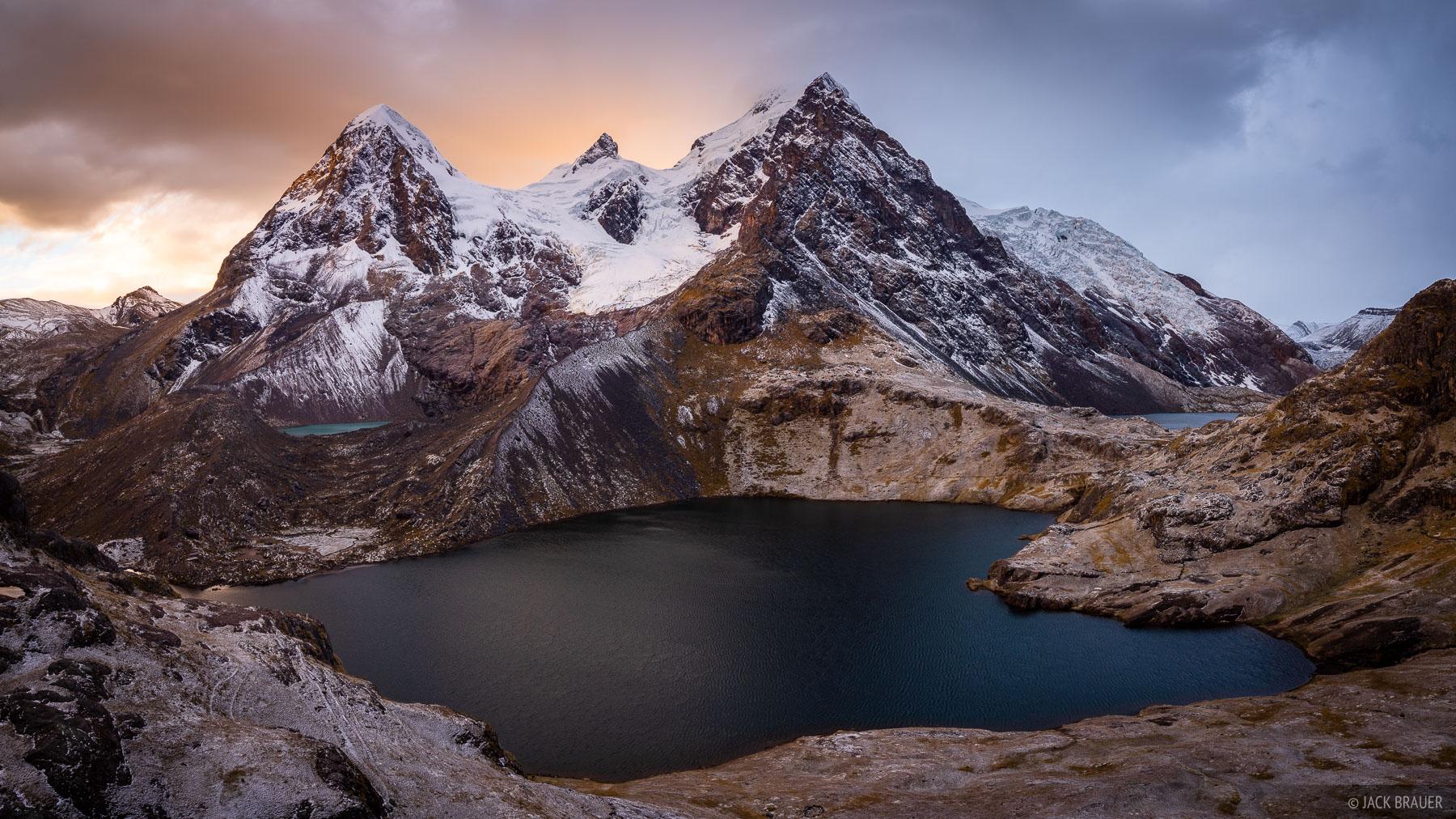 Ausangate, Cordillera Vilcanota, Lago Uchuy Pucacocha, Peru, South America, photo