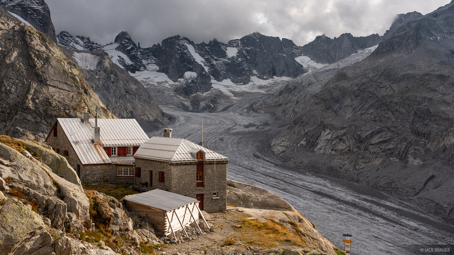 Bernina Range, Capanna del Forno, Forno Glacier, Rhaetian Alps, Switzerland, Vadret de Forno, hut, photo