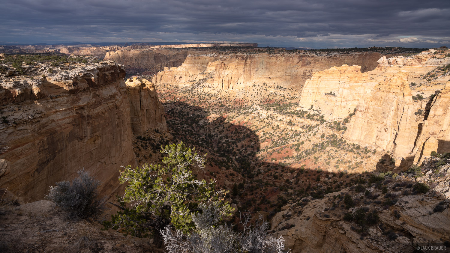 Sunlight in the San Rafael Swell just north of I-70.